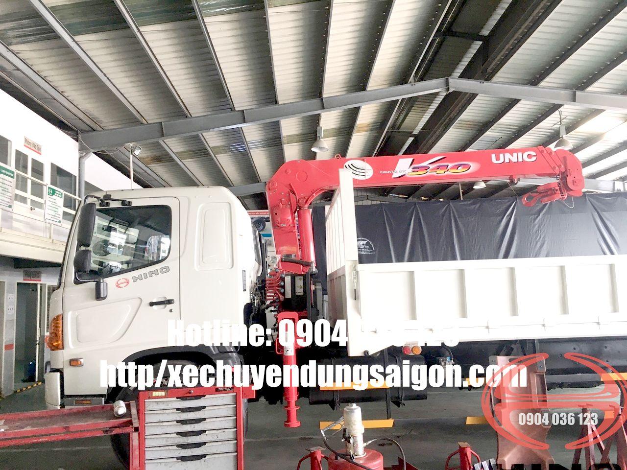 xe tải hino FL cẩu unic 3 tấn
